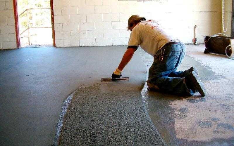 Подготовка пола под линолеум: выравнивание и грунтовка, как еще подготовить поверхность, сколько должен лежать перед установкой плинтуса