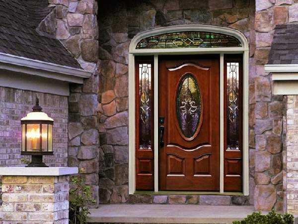Возможно ли использование дверей из дерева в качестве входных?