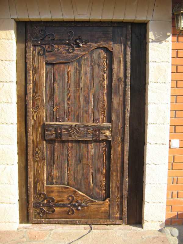 Как сделать двери под старину своими руками