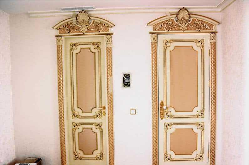 Каким образом оформить входную дверь? как красиво сделать откосы?