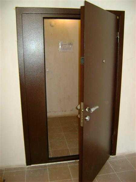 Особенности установки тамбурных дверей