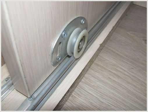 Особенности механизма для раздвижных дверей