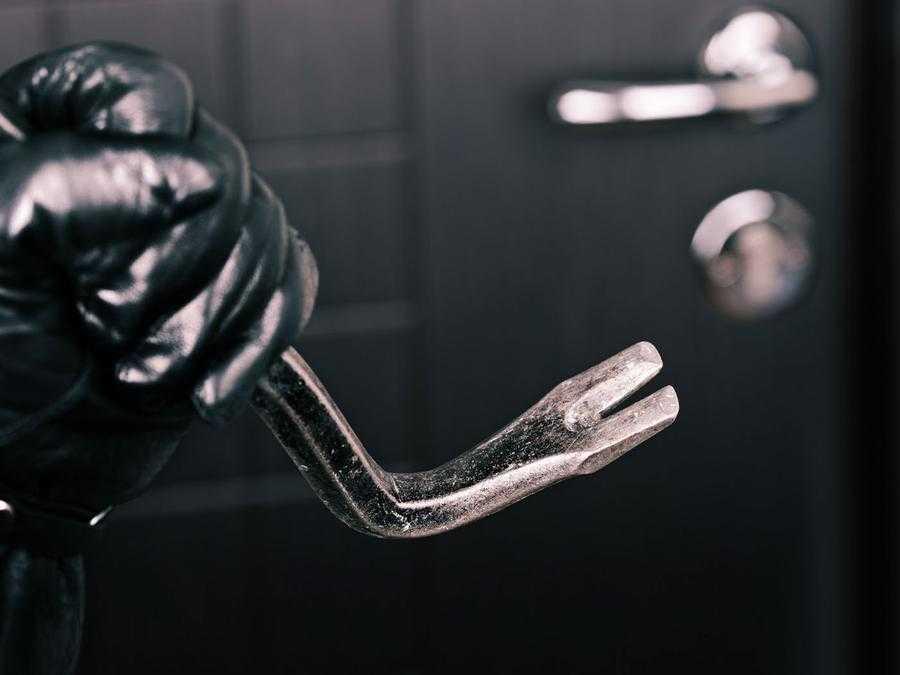 Как выбрать замок для входных металлических дверей