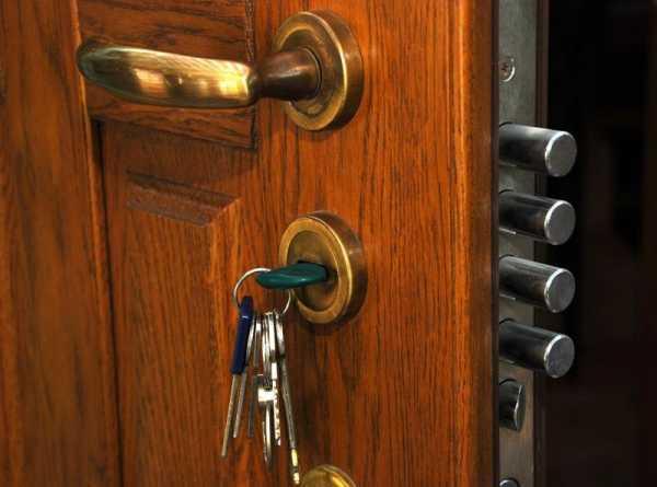 Какие навыки и инструменты нужны для открывания сувальдного замка без ключа?