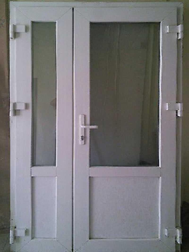 Межкомнатные стеклянные двери: монтаж, цены, фото