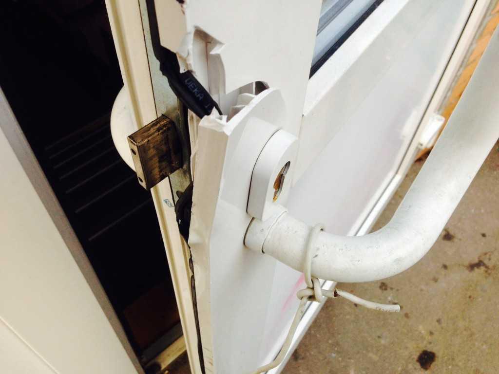 Как установить пластиковые двери входные своими руками