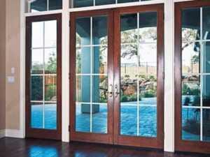 Сферы использования алюминиевых дверей со стеклом