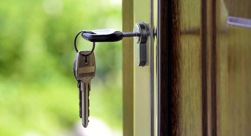 Типы дверных замков: разновидности и их особенности, преимущества и недостатки