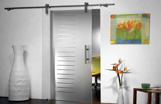 Доступные варианты восстановления поврежднных межкомнатных дверей своими руками