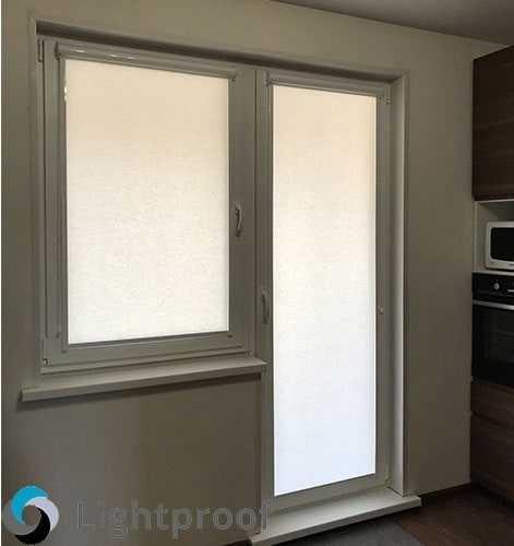 Какими должны быть шторы на балконную дверь: идеи и 35 фото