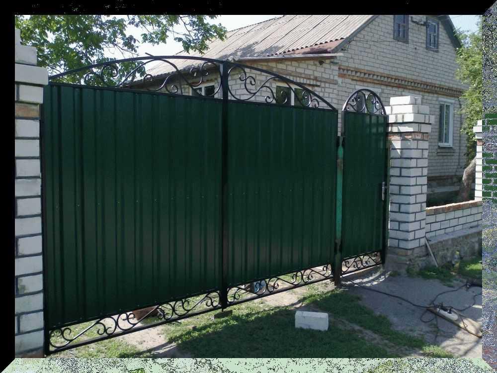 Положения о том, в какую сторону должны открываться входные двери в квартиру