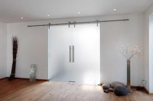 Преимущества и недостатки раздвижных дверей