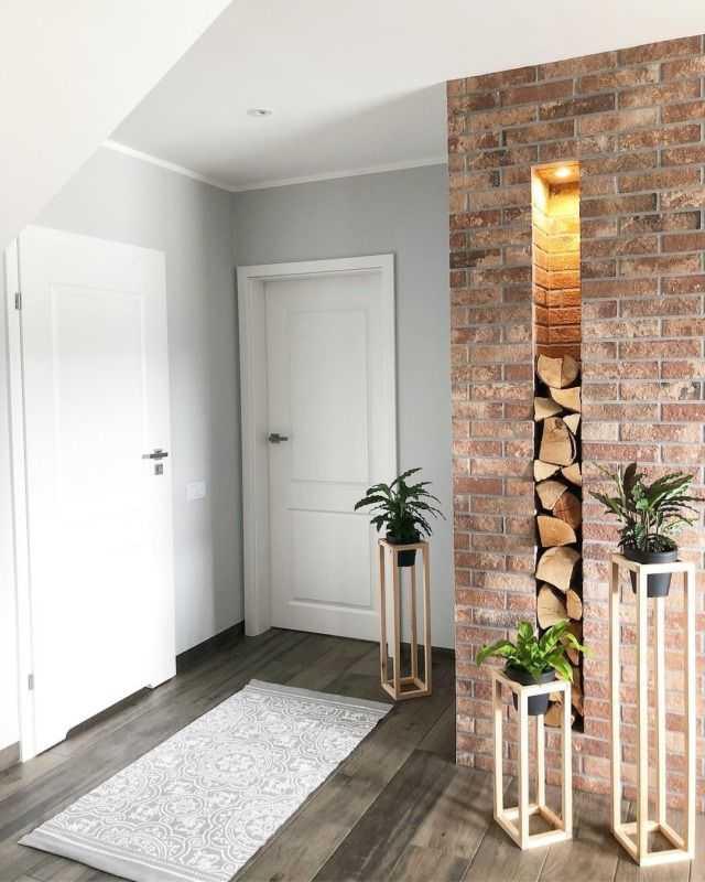 Как органично вписать цвет двери в интерьер?