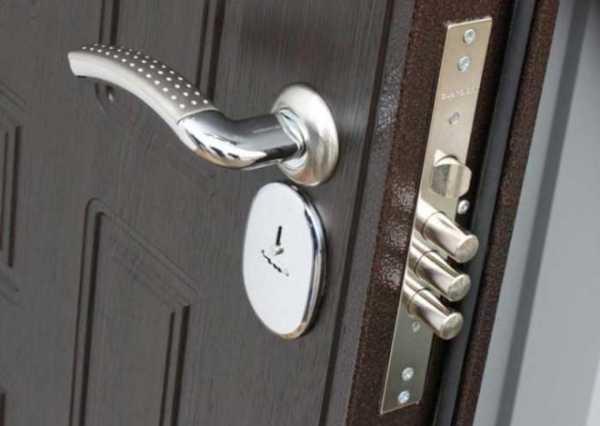 Замена замка на входной металлической двери в реутове
