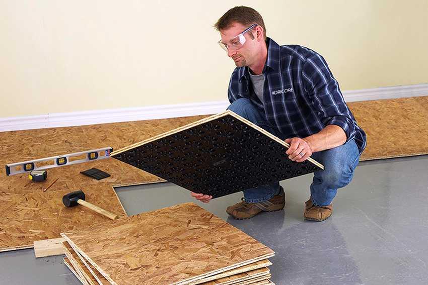 Чем выровнять деревянный пол под линолеум?