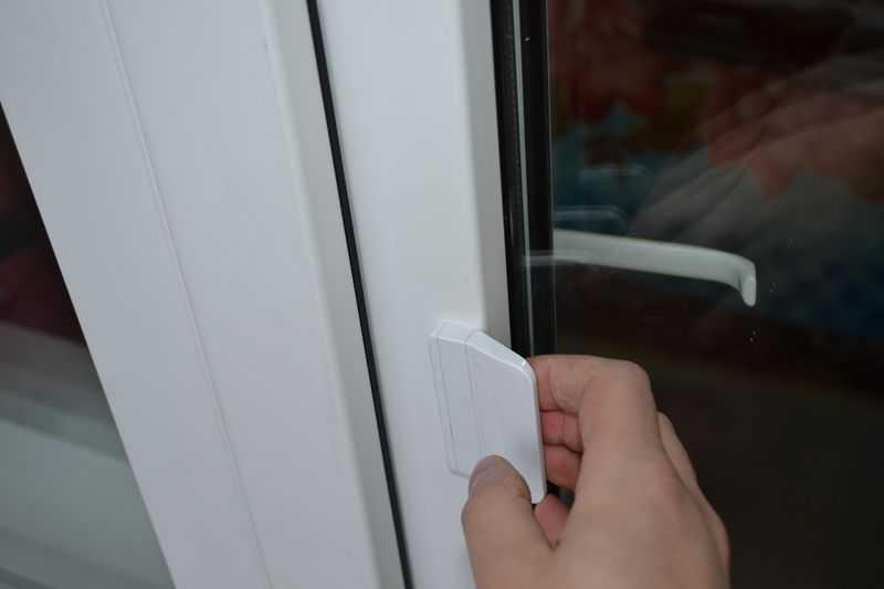 Что предпринять, когда не хочет открываться балконная дверь?