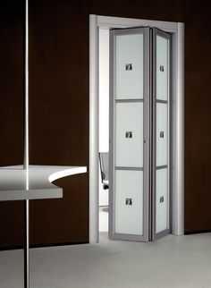 Как установить дверь гармошку самостоятельно