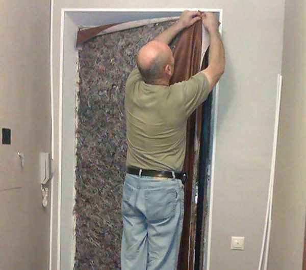 Утепляем деревянную дверь: секреты профессионалов