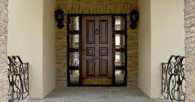 Двери со стеклянными вставками — смотрится шикарно