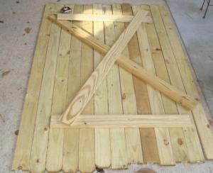Входная деревянная дверь своими руками: под силу любому