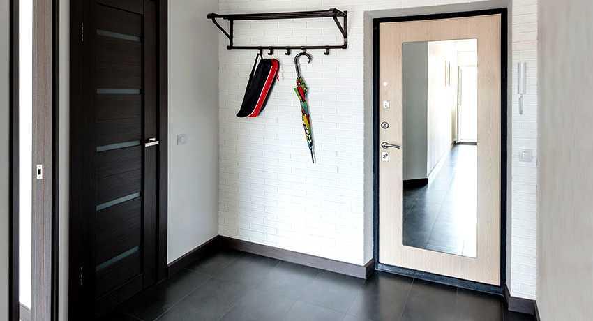 Разновидности и характеристики накладок на входные двери