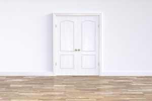 Как правильно подобрать межкомнатную дверь в квартиру