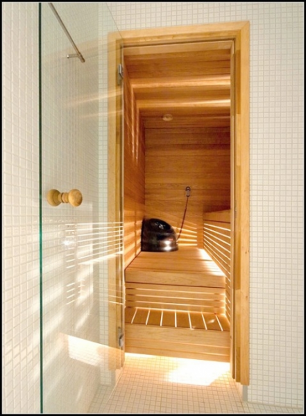 Особенности выбора и установки дверей для бани в Леруа Мерлен