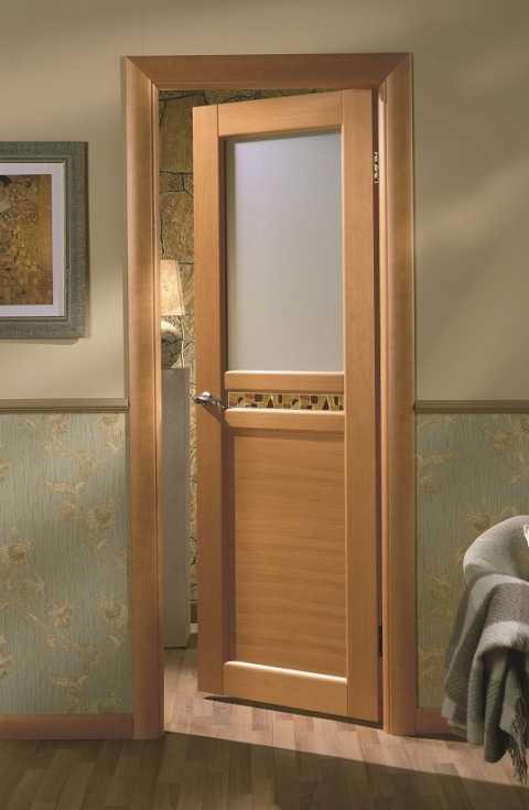 Достоинства и недостатки прессованных квартирных межкомнатных дверей