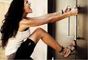 Как открыть дверь без ключа: что делать, если ключ утерян или сломался в замочной скважине