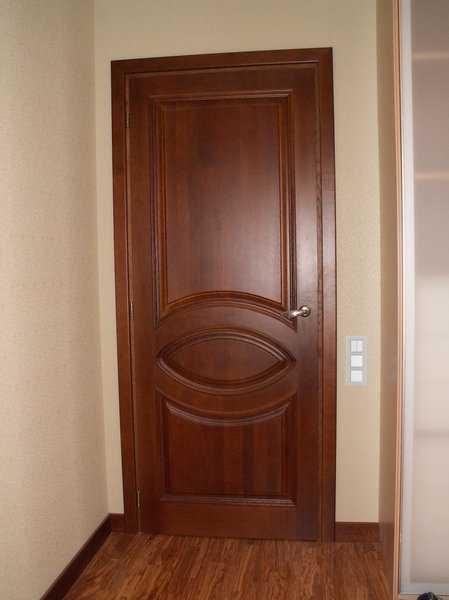 Шпонированные двери межкомнатные: критерии выбора