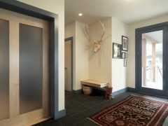Как можно красиво обделать дверной проем входной двери?