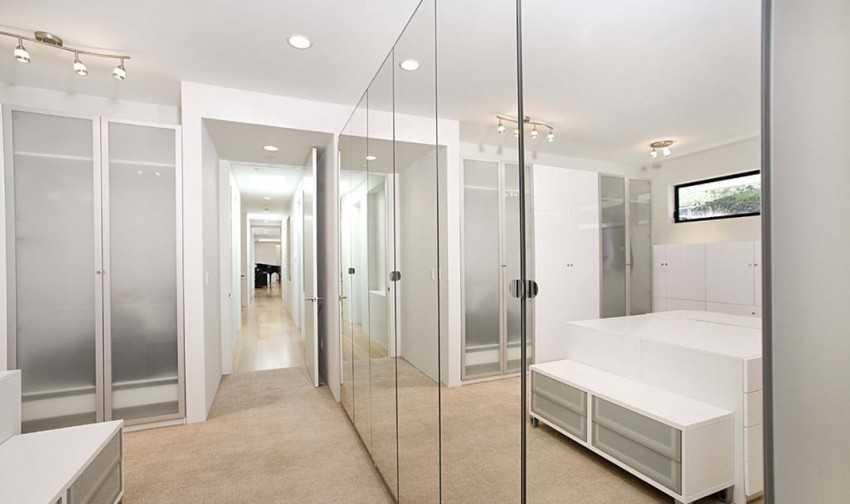 Великолепные стеклянные двери для душевой — в доме и квартире