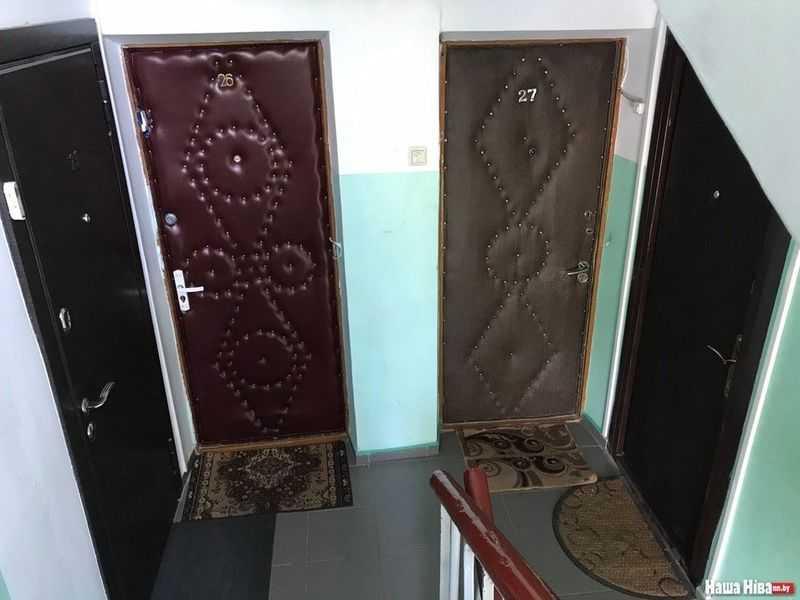 Куда должна открываться установленная в квартиру входная дверь