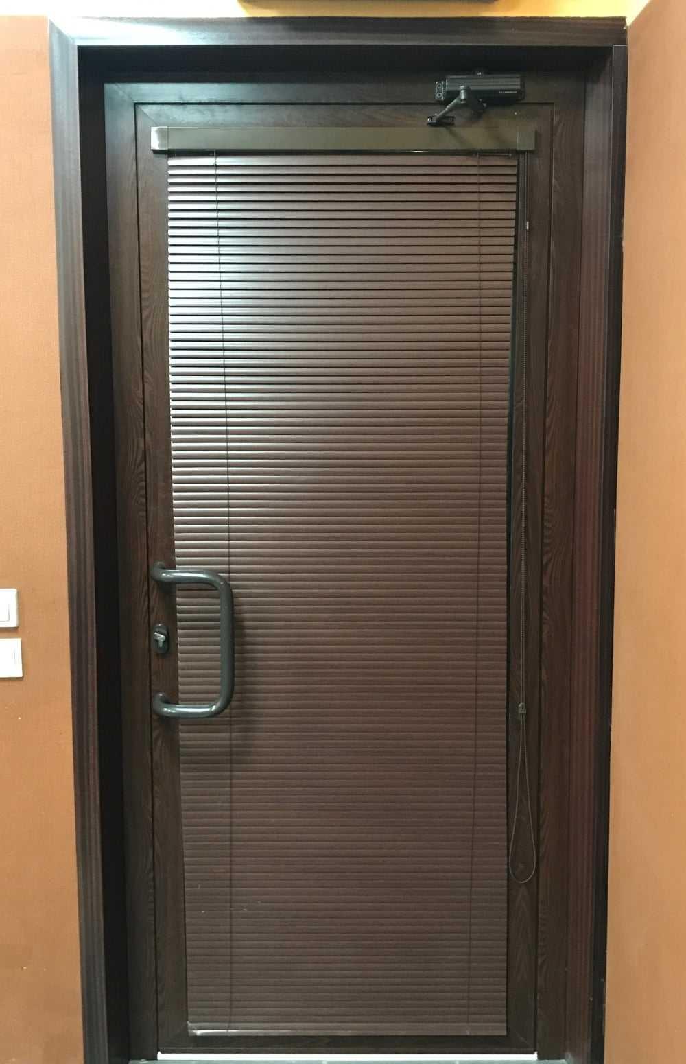 Алюминиевые стеклянные двери