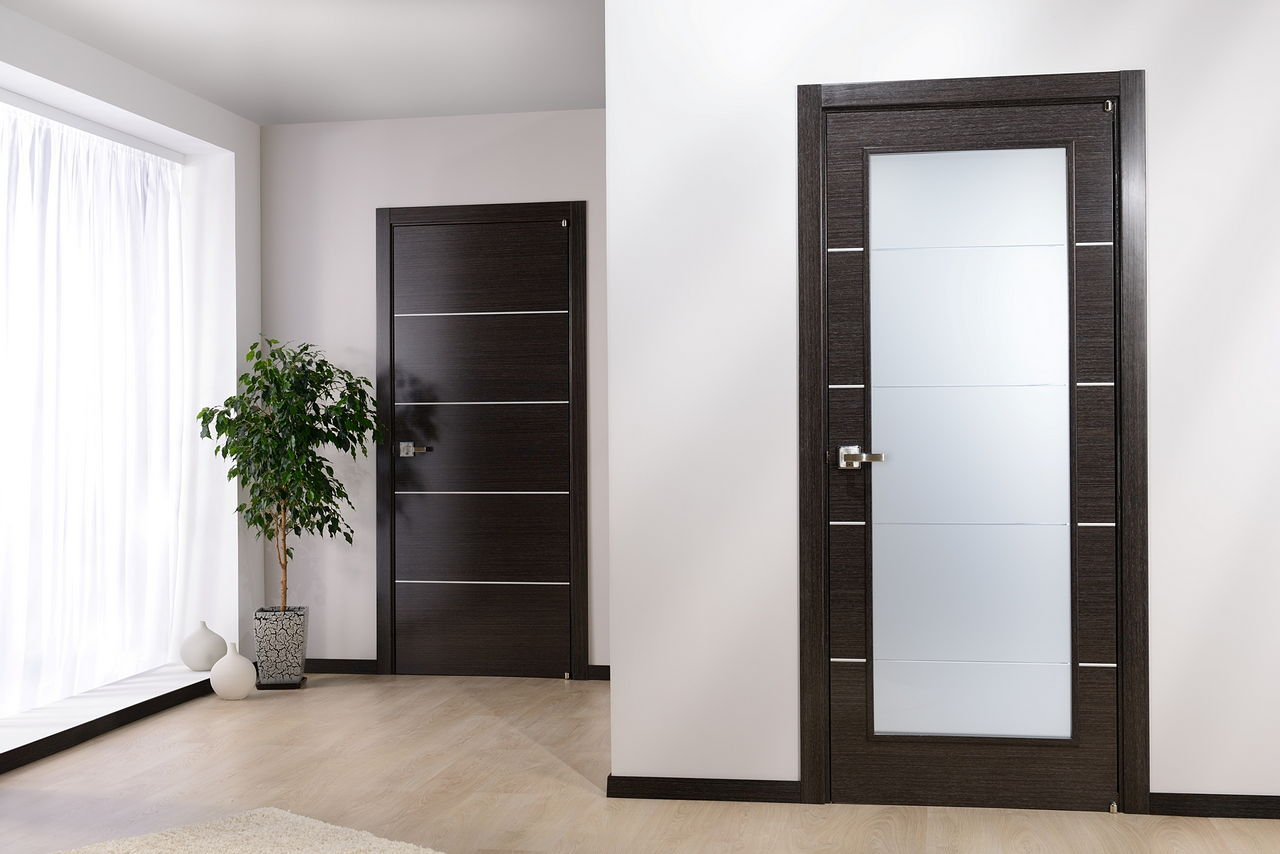 Какие межкомнатные двери лучше выбрать для квартиры: характеристика элементов и полезные рекомендации