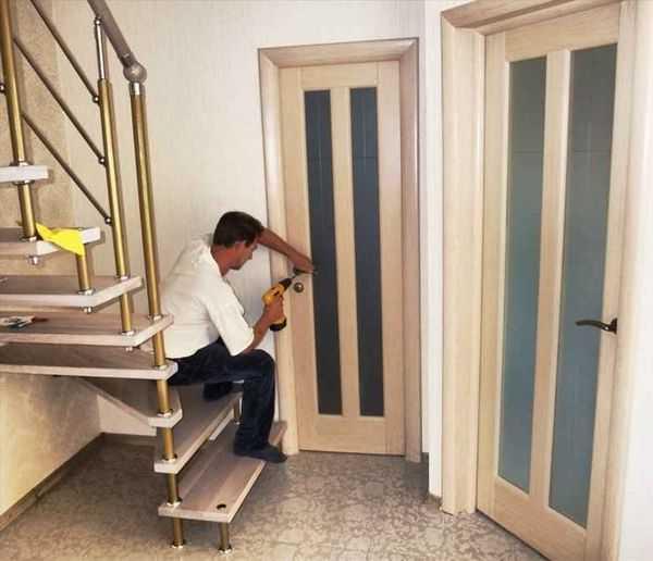 Врезка замка в дверь