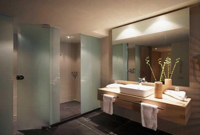 Формы и размеры душевых кабин и поддонов для ванной комнаты