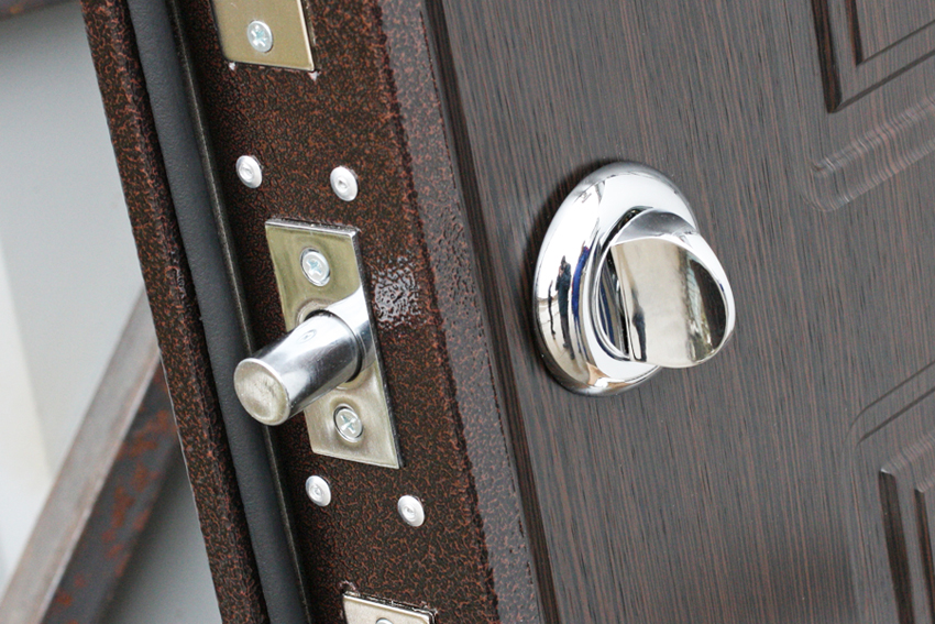 Дверной замок: виды, установка и ремонт своими руками