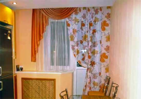 Выбор штор на кухню с балконом: современный дизайн у себя дома
