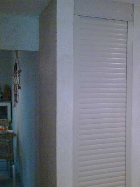 Двери в кладовку: стандартные и нестандартные варианты