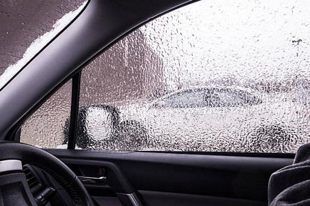 Что делать если пластиковое окно промерзло зимой изнутри?