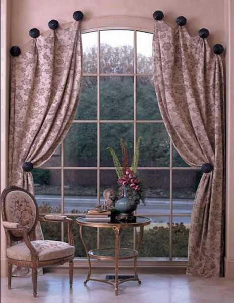 Выбор тюля в зал с балконной дверью