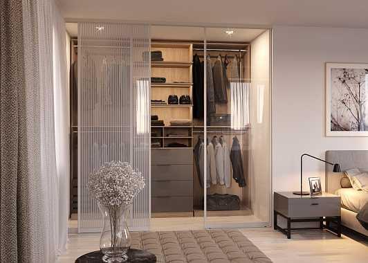 Раздвижные двери для гардеробной: преимущества, разновидности и установка