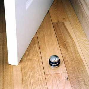 Преимущества и недостатки использования петель-бабочек для межкомнатных дверей