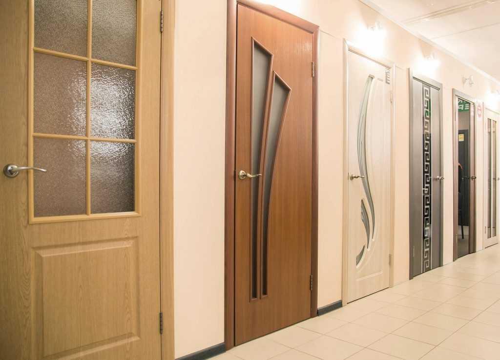Фото основных разновидностей деревянных межкомнатных дверей