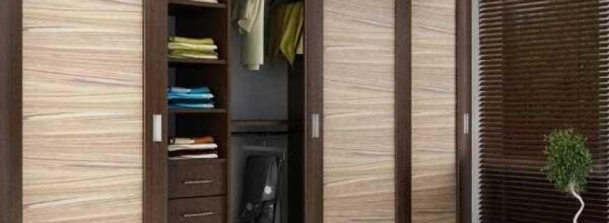 Особенности выбора и монтажа душевой двери в нишу