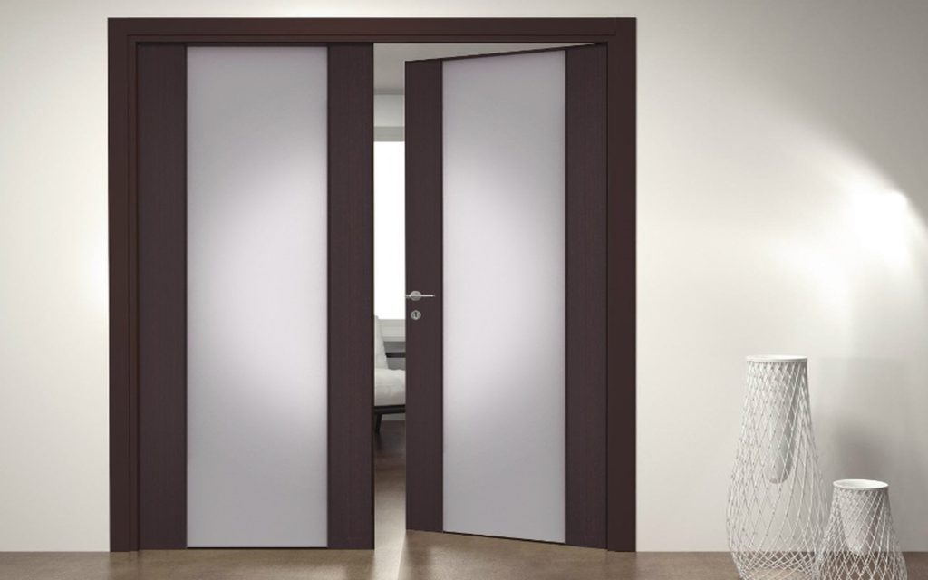 Как выбрать и установить доводчик на дверь