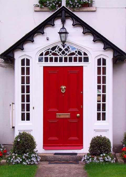 Основные преимущества и недостатки дверей со стеклом