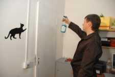 Как обклеить дверь самоклеящейся плёнкой