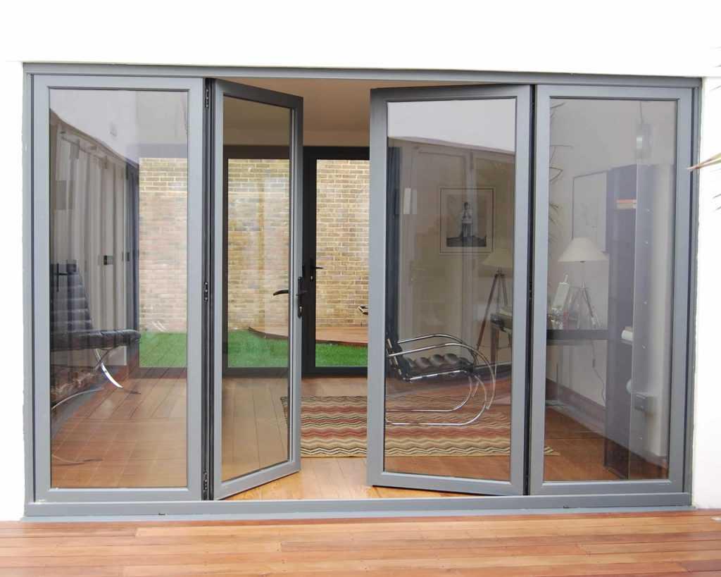 Виды наружных входных дверей из алюминиевого профиля
